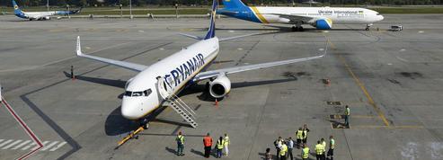 Les syndicats menacent d'organiser la plus grande grève jamais connue par Ryanair