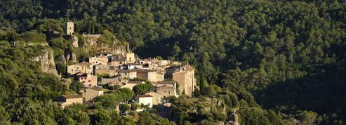 Avec ses migrants, le petit village de Châteaudouble voit rouge