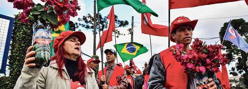 Brésil : Lula passe la main à l'issue d'une folle semaine