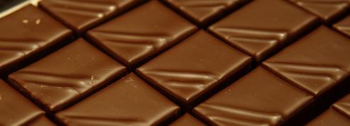 La fabrication des chocolats de Noël a déjà commencé