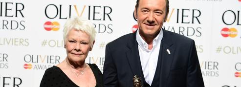 «C'est un acteur merveilleux», Judi Dench vole au secours de Kevin Spacey
