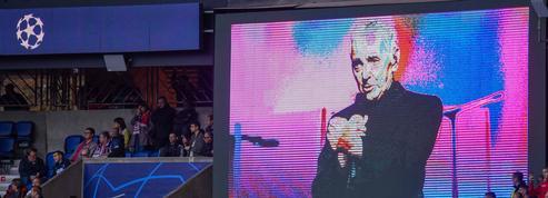 Le Parc des Princes a rendu hommage à Charles Aznavour