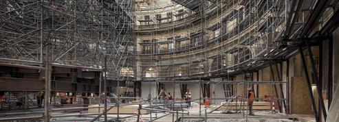 Visite en avant-première de la Bourse de commerce, un chantier comme une tour de Babel