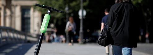 Trottinettes électriques: Élisabeth Borne interdit la circulation sur les trottoirs