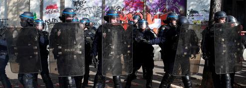 Rixe à Paris: enflammé par ses agresseurs, un homme décède après s'être jeté à l'eau