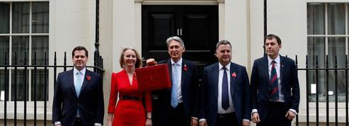 Dernier budget avant le Brexit: Londres desserre un peu les cordons de la bourse