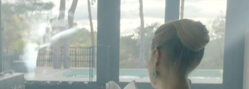 Johnny Hallyday : le réalisateur du clip Pardonne-moi «voulait semer le trouble» avec Laeticia