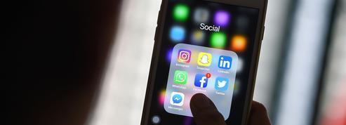 LinkedIn espère séduire les jeunes internautes en ajoutant des «stories» à son application