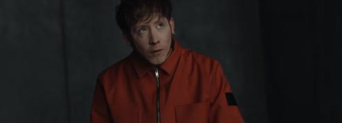 Eddy de Pretto, prisonnier de lui-même dans le clip Random