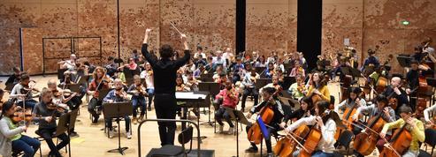 Au cœur de Démos, le projet de la Philharmonie qui transforme les jeunes en musiciens