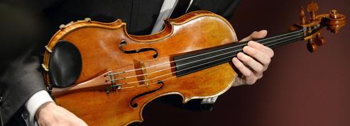 Pour immortaliser le son des Stradivarius, la ville de Crémone retient son souffle