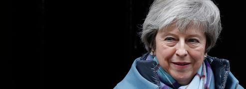Brexit : en coulisse, Londres s'active pour rompre son isolement