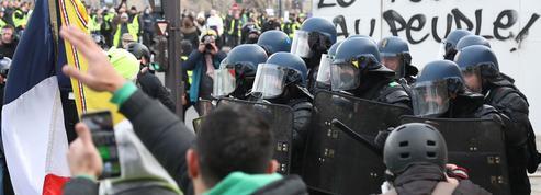«Acte XIII» des «gilets jaunes»: des milliers de manifestants à nouveau mobilisés