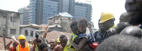 Nigeria: 9 morts dans l'effondrement d'un immeuble, des dizaines d'enfants piégés