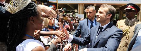 Au Kenya, Macron courtise l'Afrique qui s'éveille