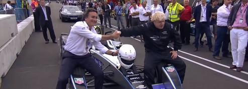 Quand Boris Johnson pilotait une formule E dans les rues de Londres