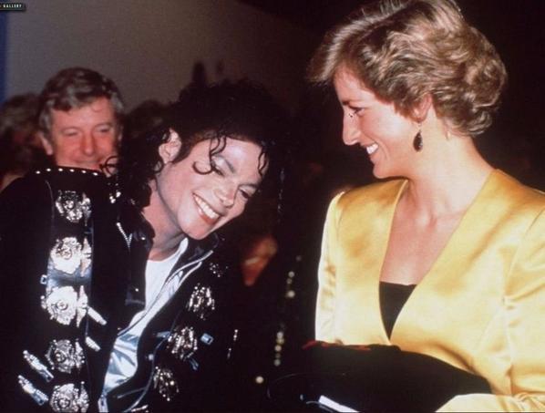 Michael Jackson aux côtés de Lady Diana. Crédits photo: capture Twitter
