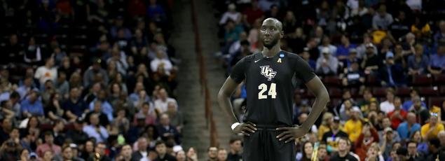 Tacko Fall, le basketteur de 2m29 qui fait parler les observateurs