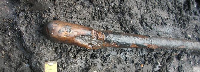 L'homme de Néandertal utilisait déjà le feu pour façonner ses outils