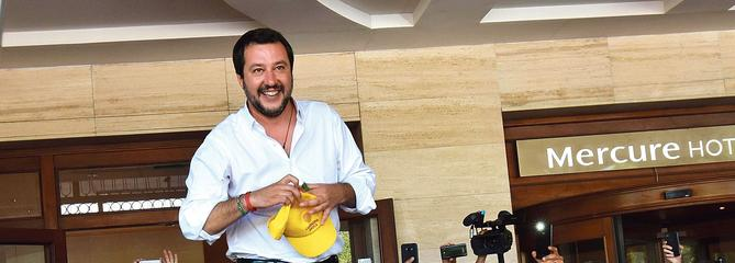 Italie : Matteo Salvini fixe un cap antimigrants à l'Italie