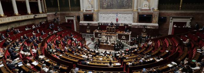 Affaire Benalla : l'examen de la réforme constitutionnelle reporté à la rentrée