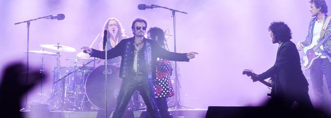 Les musiciens de Johnny Hallyday prêts à remonter sur scène pour une tournée hommage