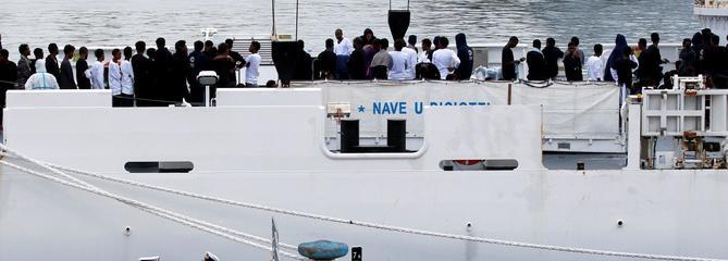 L'Italie interdit aux migrants de débarquer en Sicile et menace de les renvoyer en Libye