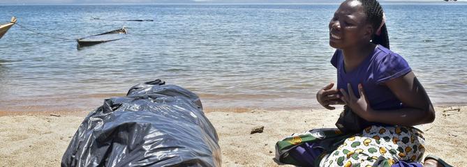 La Tanzanie enterre les 224 victimes du naufrage d'un ferry surchargé