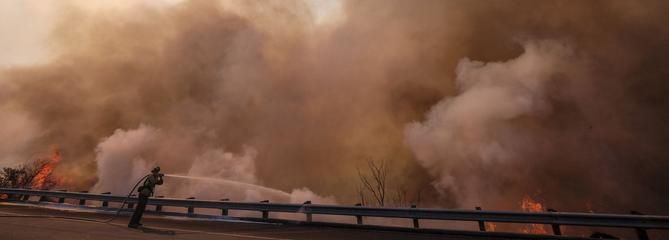 L'incendie le plus meurtrier de Californie poursuit sa progression