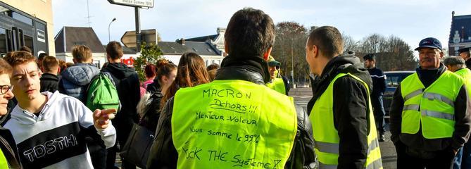 Gilets jaunes : face aux blocages, certains commerces resteront fermés