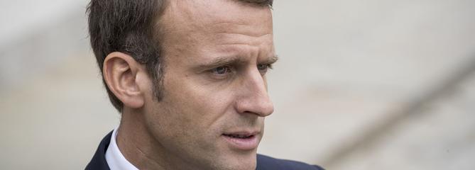 «Gilets jaunes», infirmiers et maires en colère : la rude semaine de Macron