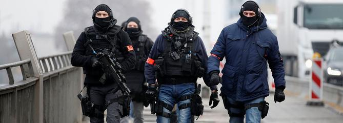 Attaque à Strasbourg:700 hommes pour traquer l'assaillant