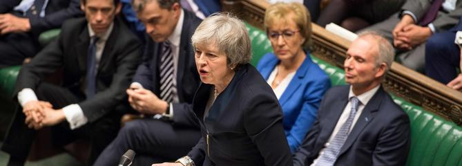 Brexit : le plan de Theresa May massivement rejeté