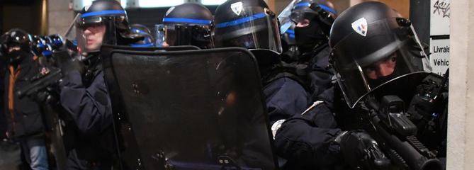 «Gilets jaunes» : 58% des Français ne jugent pas l'usage de la force disproportionné