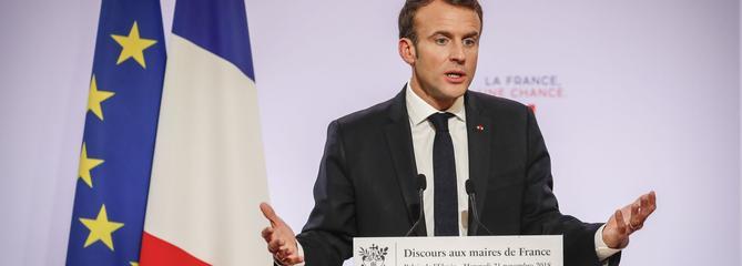 Macron de nouveau sur le gril devant 600 maires d'Occitanie