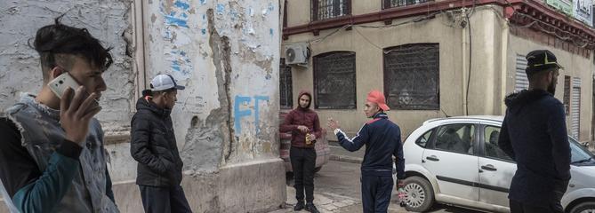 En Algérie, une jeunesse dans une prison à ciel ouvert