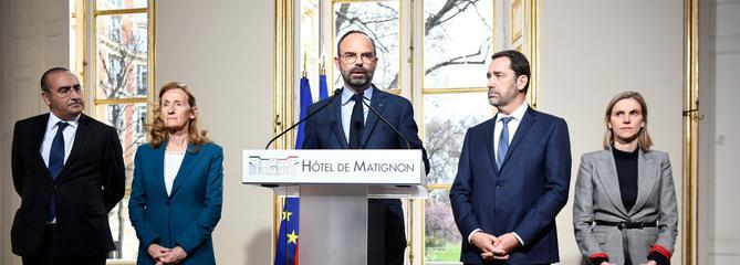 L'exécutif annonce des mesures et limoge le préfet de police de Paris