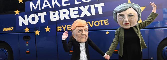 Brexit: les Vingt-Sept prêts à accorder deux options à Londres