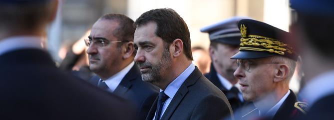 Sécurité: une majorité de Français ne font pas confiance à Castaner