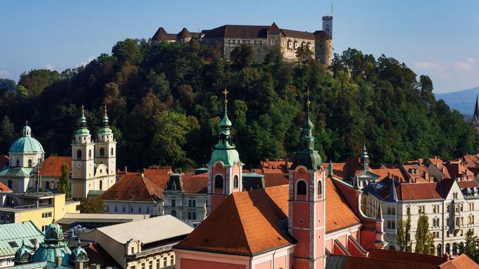 Le château de Ljubljana construit au XVe siècle sous le règne des Hasbourg pour protéger l'ex-capitale du duché de Carinthie, rebaptisée Laibach, d'une éventuelle invasion ottomane.