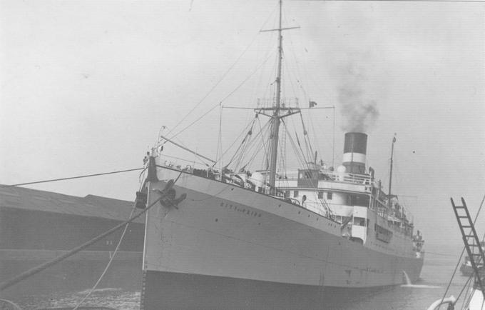 City of Cairo transportait 302 passagers et membres d'équipage avant d'être torpillé par un sous-marin allemand le 6 novembre 1942. 6 personnes n'ont pas survécu. Après le naufrage, le commandant du sous-marin allemand s'est adressé aux rescapés et leur a dit: «Good Night, Sorry For Sinking You» («Bonne nuit et désolé de vous avoir coulé!») Crédit: Hugh MacLean, www.sscityofcairo.co.uk