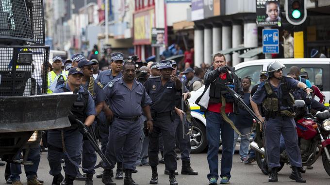 La police à Durban, l'origine de la vague de protestation.