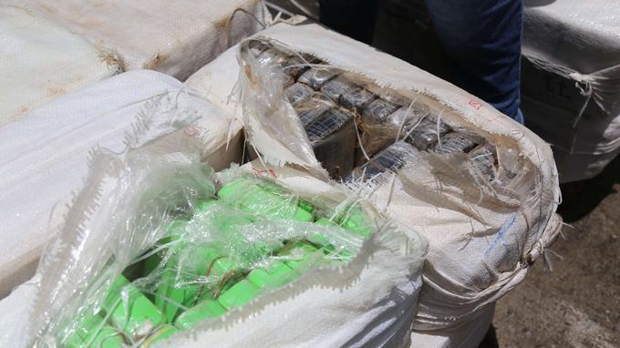 Les douaniers ont saisi 2,2 tonnes de cocaïne.