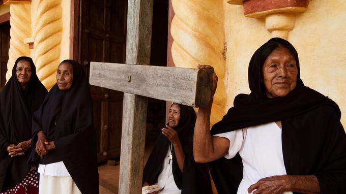 Deux siècles et demi après ledépart des pères de la Compagnie de Jésus, il est frappant d'observer à quel point la foi catholique est restée fervente en Chiquitanie.