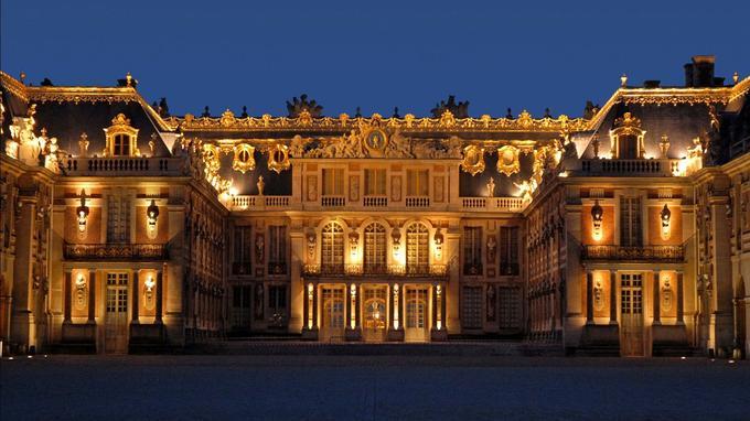 Façade du chateau de Versailles devant la cour de marbre. (Crédit: Jean-Pierre Dalbéra/Flickr/CC)
