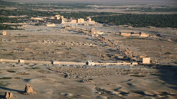 La cité antique de Palmyre vue depuis le château Qalat ibn Maan (photographies prises en août 2010).