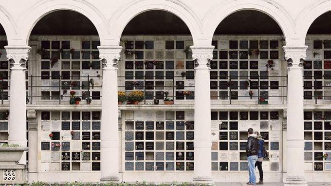 Le columbarium du Père-Lachaise à Paris. <i>Crédits photo: ©Christophe Lehenaff / Photononstop.</i>