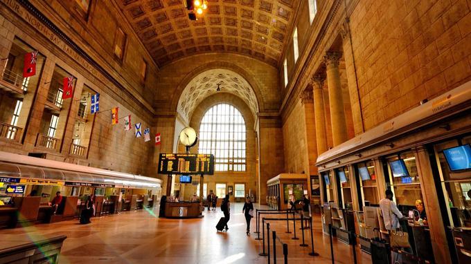 A Toronto, l'aventure commence à Union Station, la gare monumentale inaugurée en 1927 par le prince de Galles.