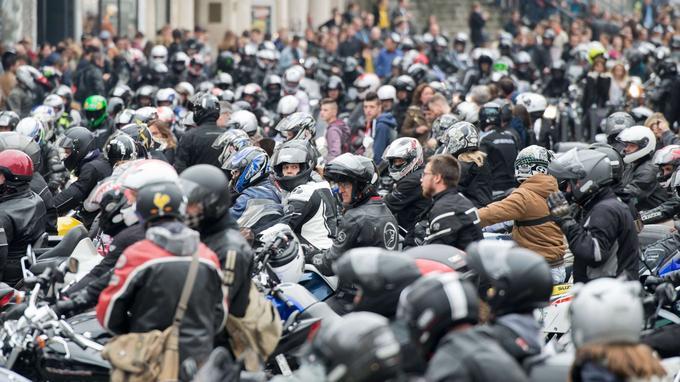 À Lille, les conducteurs de deux-roues ont également défilé en nombre, en bloquant une partie du centre-ville.