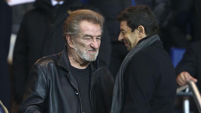 Retrouvailles entre Eddy Mitchell et Patrick Bruel, tous deux fans de football.